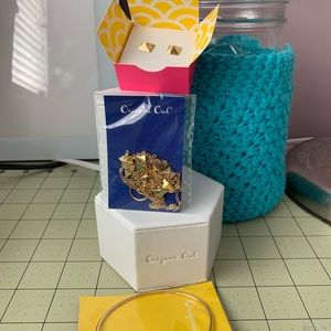 Hostess Exclusive Set in gold